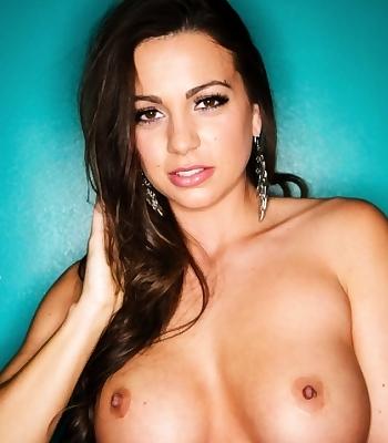 Sexy Abigail Mac